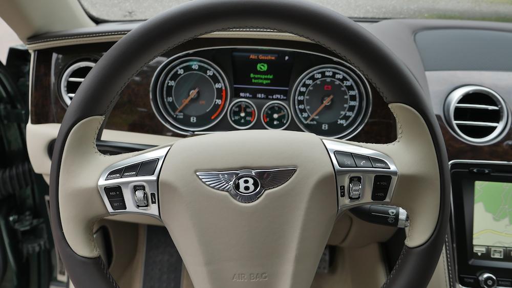 BentleyFlyingSpurW12_autogeufehl_008
