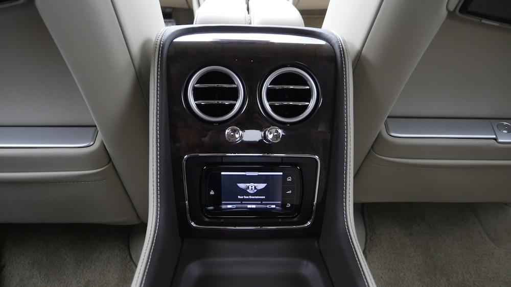 BentleyFlyingSpurW12_autogeufehl_010