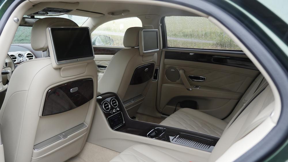 BentleyFlyingSpurW12_autogeufehl_014