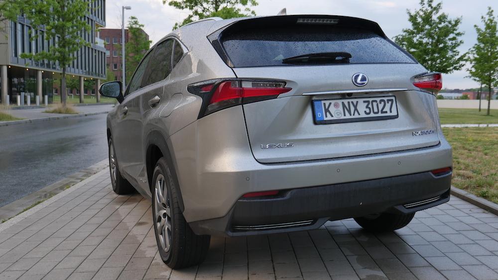 LexusNX_300h_autogefuehl010