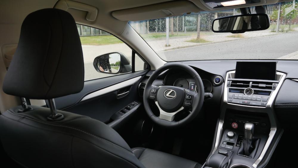LexusNX_300h_autogefuehl017