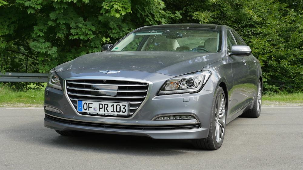 HyundaiGenesis_sedan_005