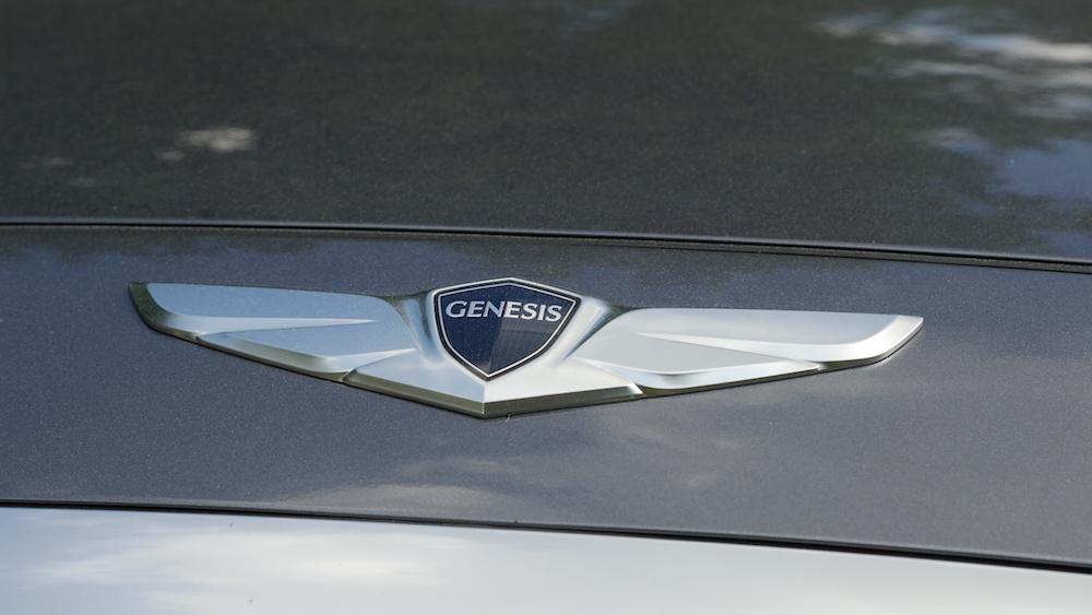 HyundaiGenesis_sedan_007