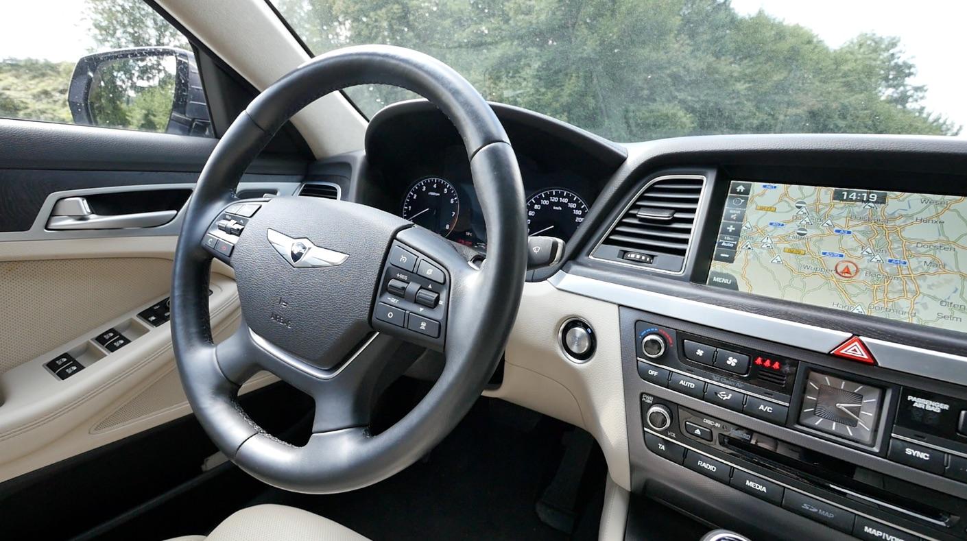Hyundai_Genesis_Innenraum_interieur_006