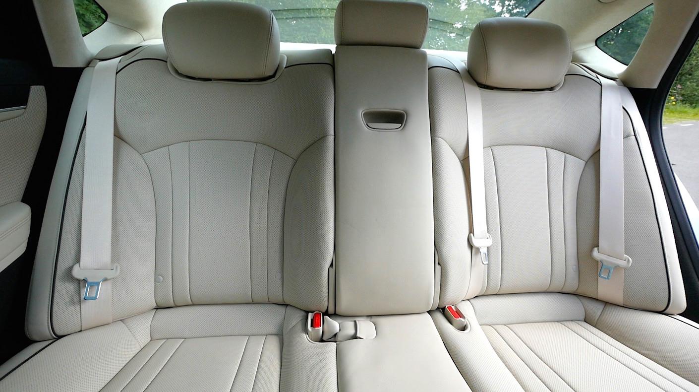 Hyundai_Genesis_Innenraum_interieur_009