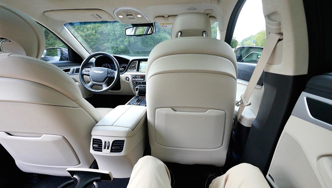 Hyundai_Genesis_Innenraum_interieur_010