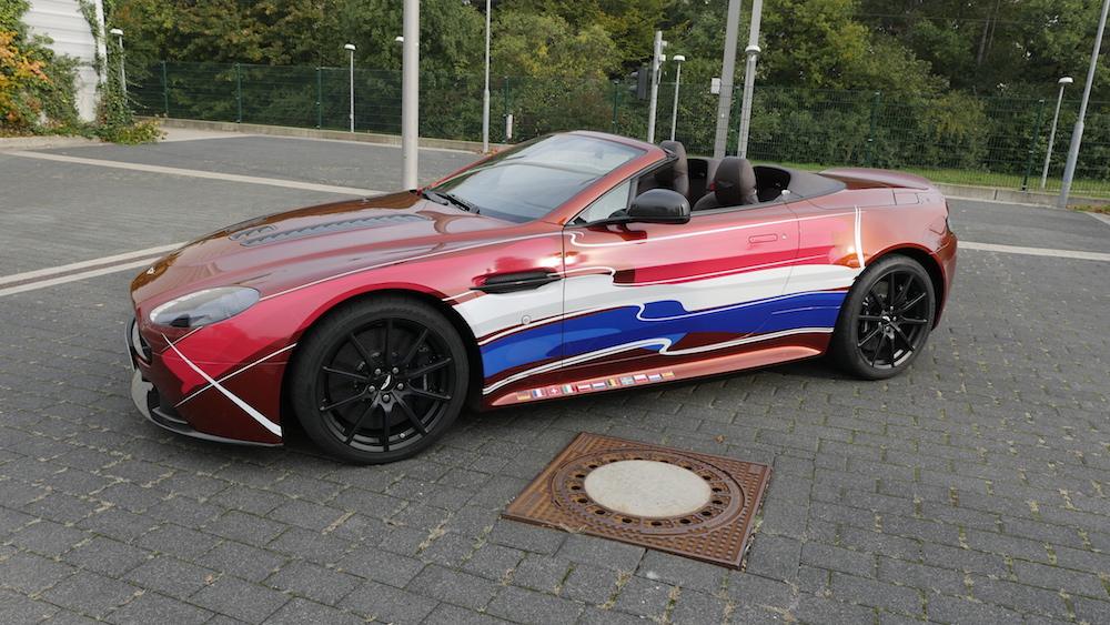 AstonMartinV12VantageS_Roadster_08