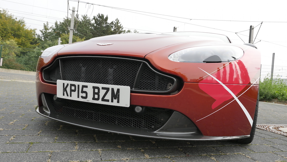 AstonMartinV12VantageS_Roadster_11
