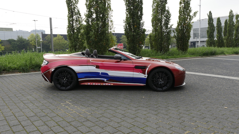 AstonMartinV12VantageS_Roadster_12