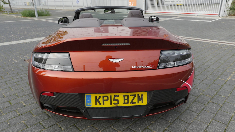 AstonMartinV12VantageS_Roadster_14