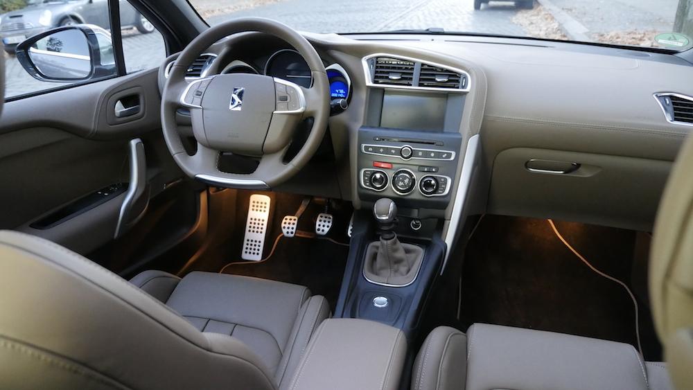 CitroenDS4_Hatchback006
