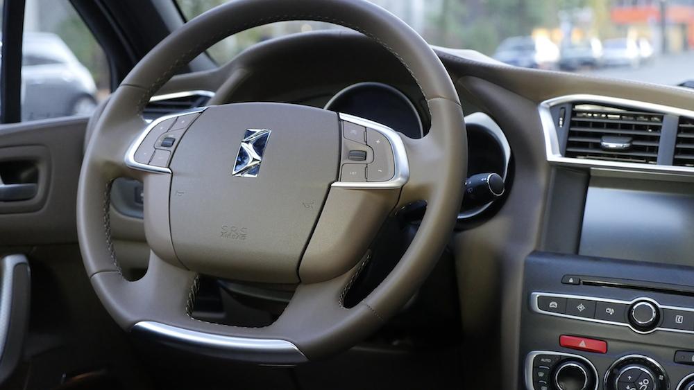 CitroenDS4_Hatchback007