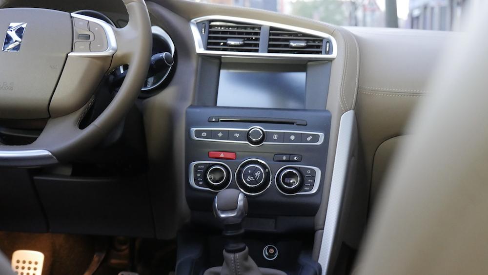 CitroenDS4_Hatchback008