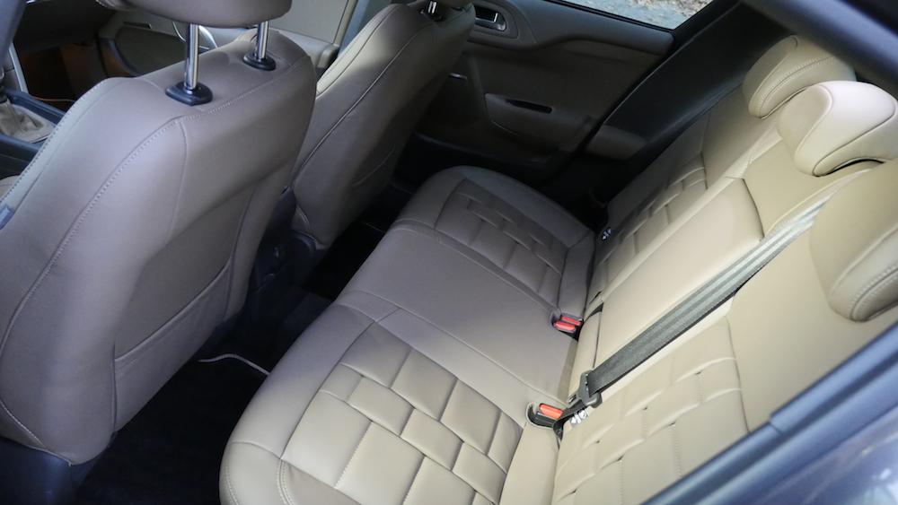 CitroenDS4_Hatchback009