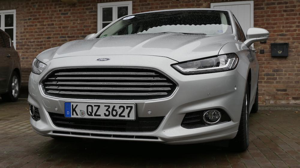 FordMondeoLimousine_AWD_Titanium_03