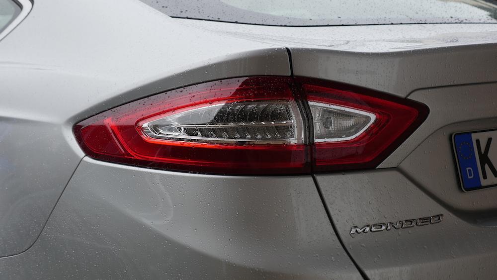 FordMondeoLimousine_AWD_Titanium_05