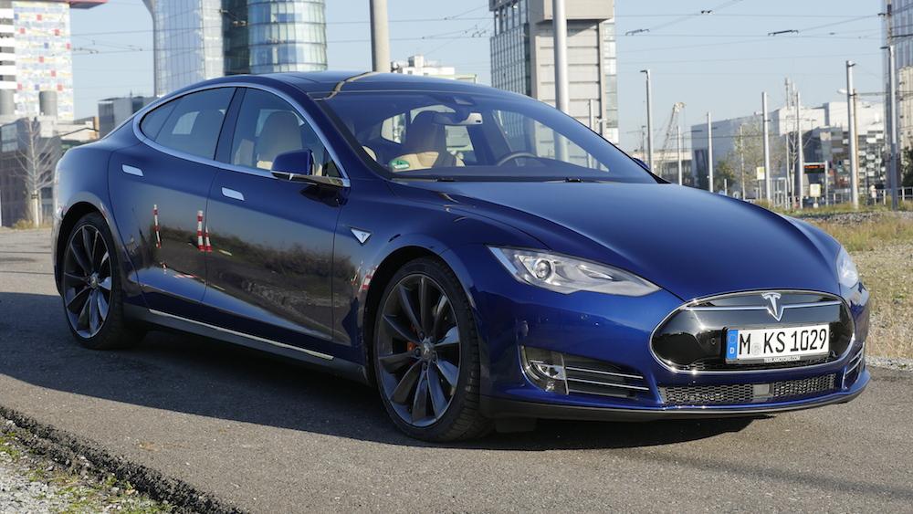 TeslaModelS_p90d_autogefuehl01