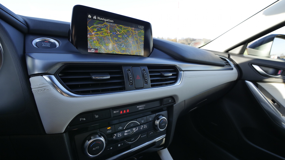 Mazda6_Limousine_Autogefuehl05