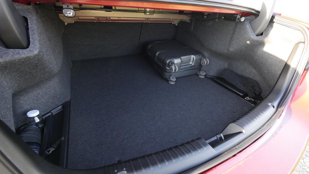 Mazda6_Limousine_Autogefuehl17