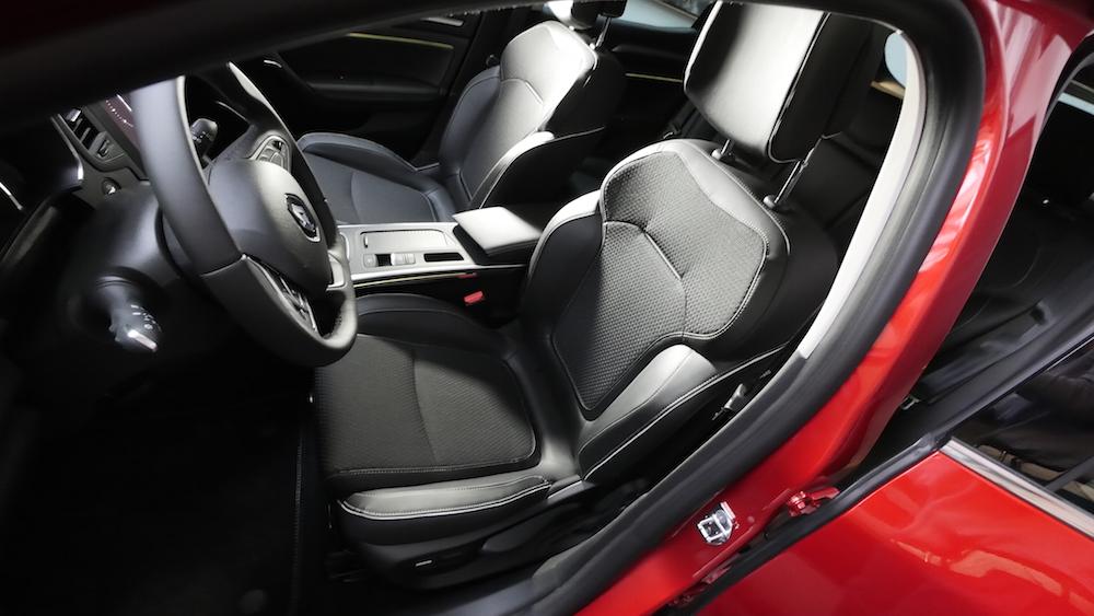 RenaultMeganeBoseEdition07