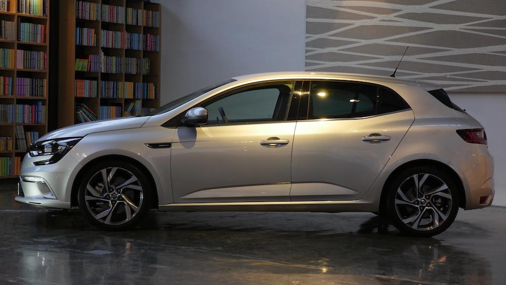 RenaultMeganeGT_autogefuehl02