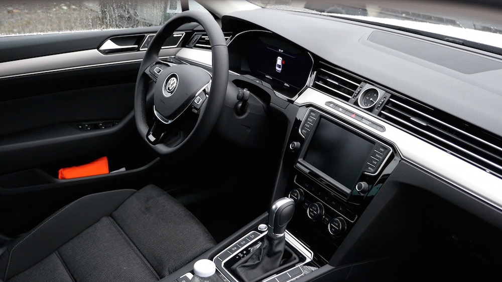 VWPassat_interior_vsRenaultTalisman_autogefuehl24