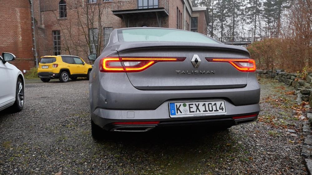 VWPassatvs_RenaultTalisman2