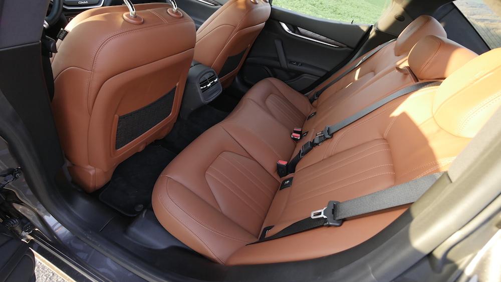 MaseratiGhibliSQ4_autogefuehl03