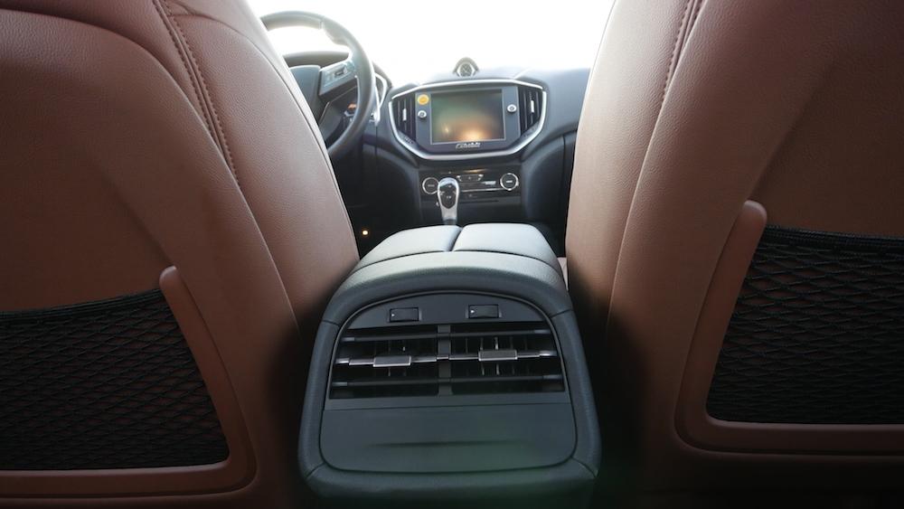 MaseratiGhibliSQ4_autogefuehl05