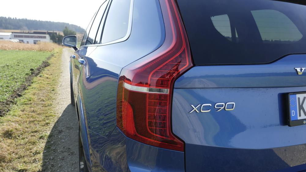 VolvoXC90_T8_R-Design019