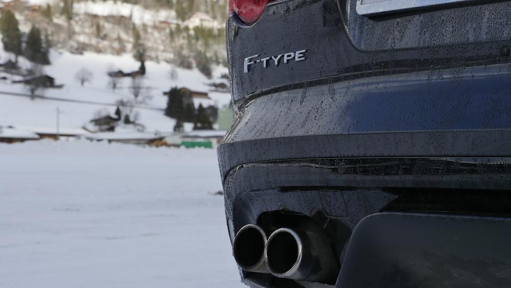 JaguarF-TYPE_R_AWD_Coupe000