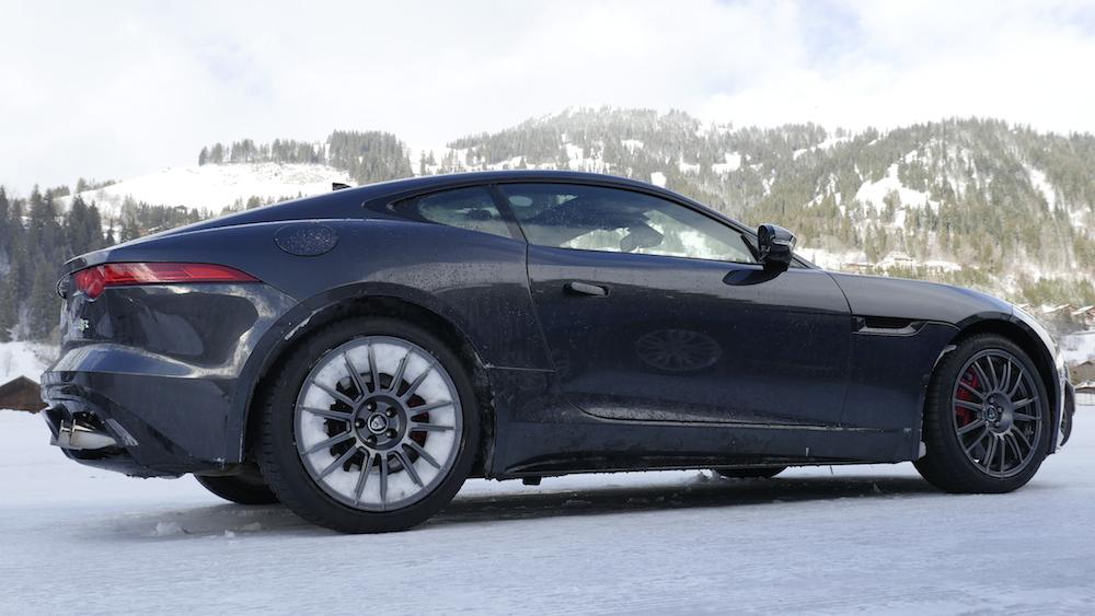 JaguarF-TYPE_R_AWD_Coupe001