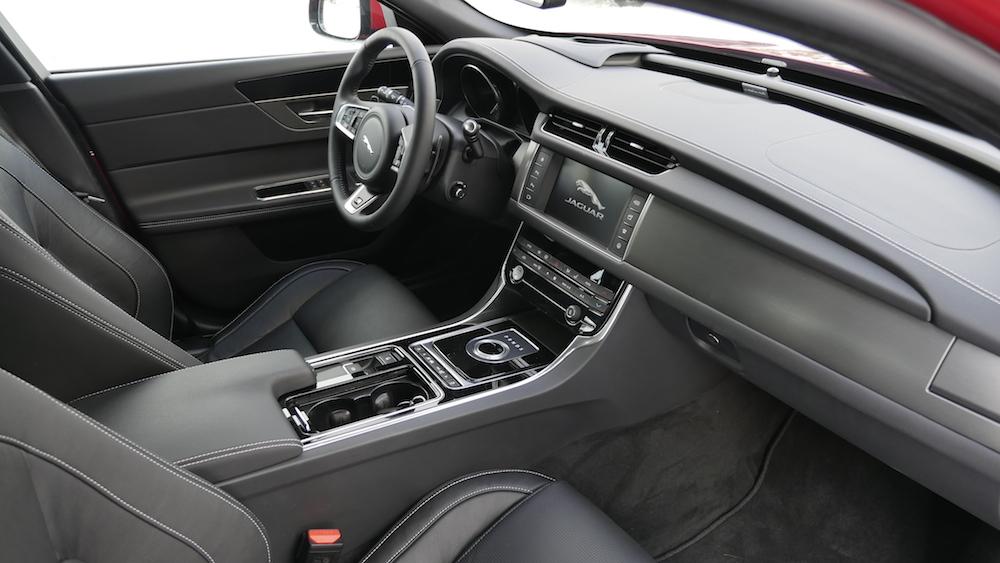 JaguarXF-S-AWD-V6_009