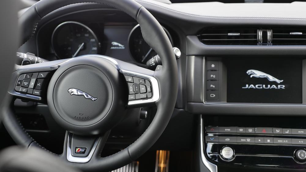 JaguarXF-S-AWD-V6_010