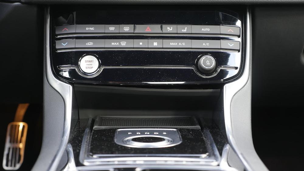 JaguarXF-S-AWD-V6_011