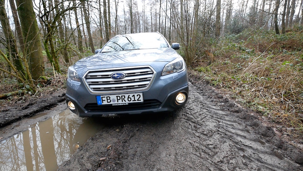 SubaruOutback_offroad_02