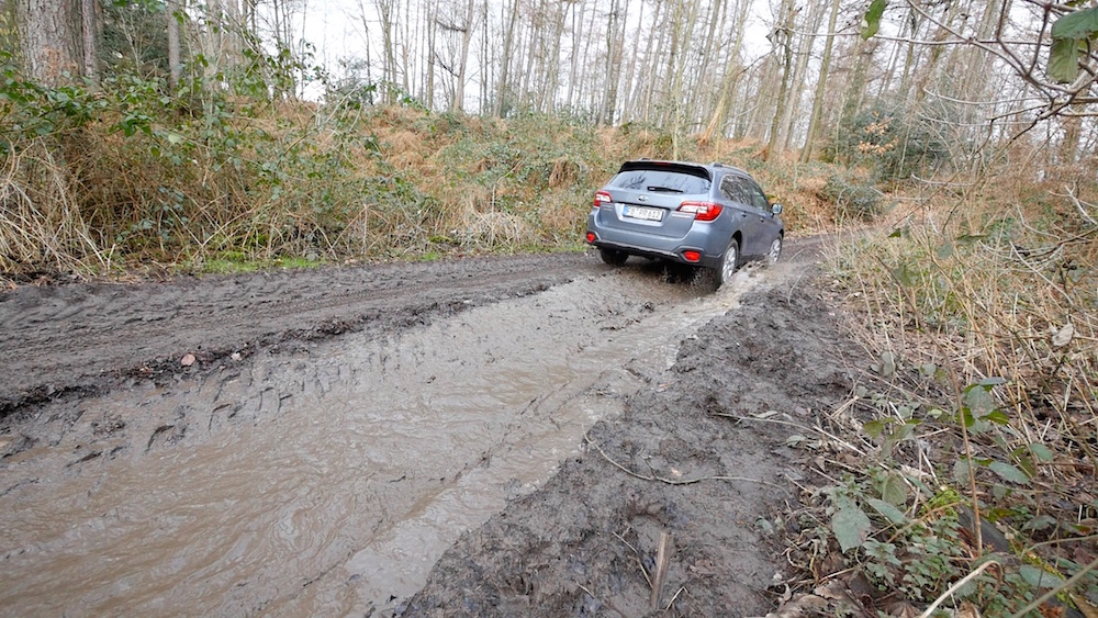SubaruOutback_offroad_03