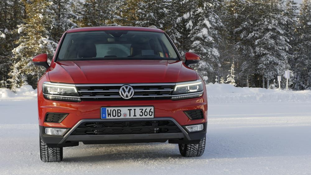 VW_VolkswagenTiguan_neu_HabaneroOrange_Highline_001