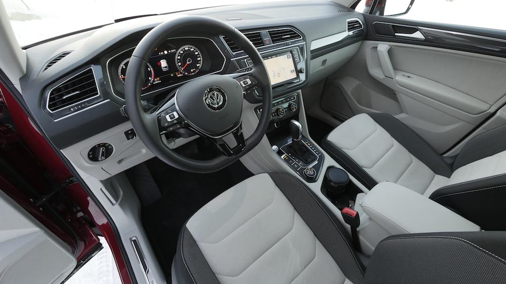VW_VolkswagenTiguan_neu_RubyRed_Highline_001