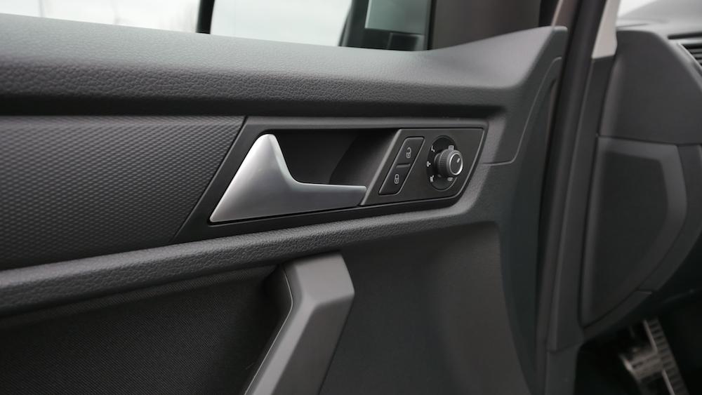 VW_Volkswagen_Caddy_Alltrack_000