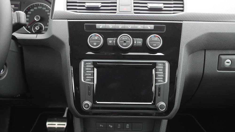 VW_Volkswagen_Caddy_Alltrack_002