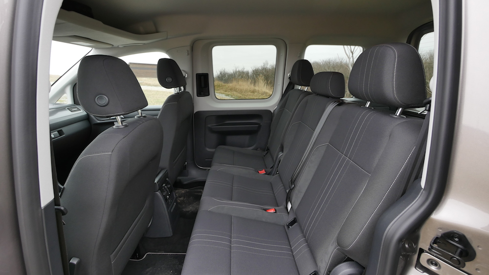 VW_Volkswagen_Caddy_Alltrack_004