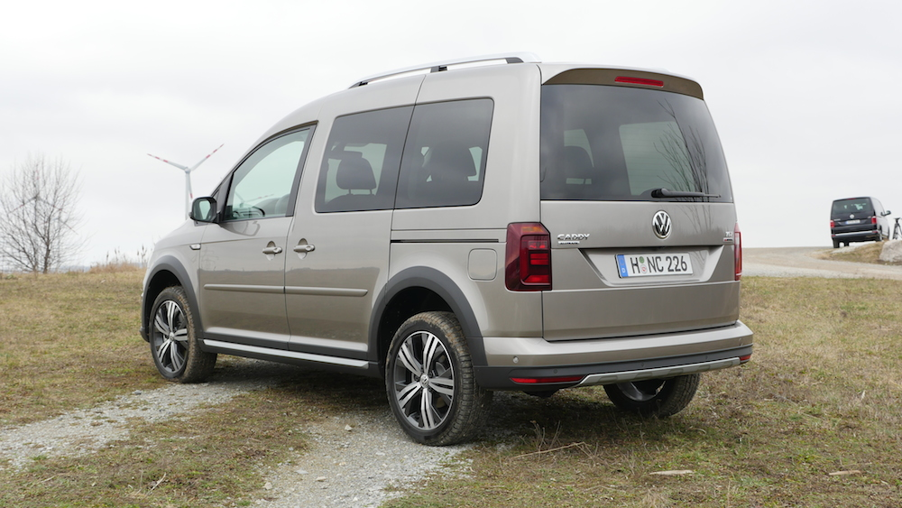VW_Volkswagen_Caddy_Alltrack_013