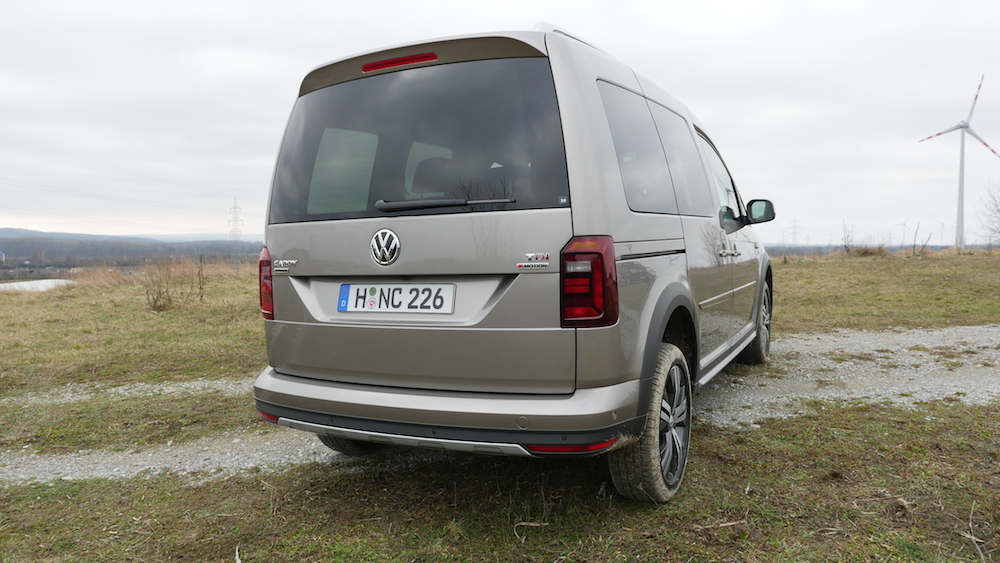 VW_Volkswagen_Caddy_Alltrack_014