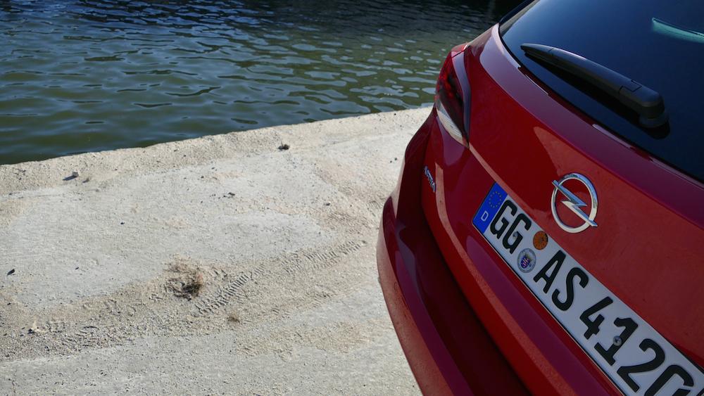 Opel Astra SportstourerP1170504