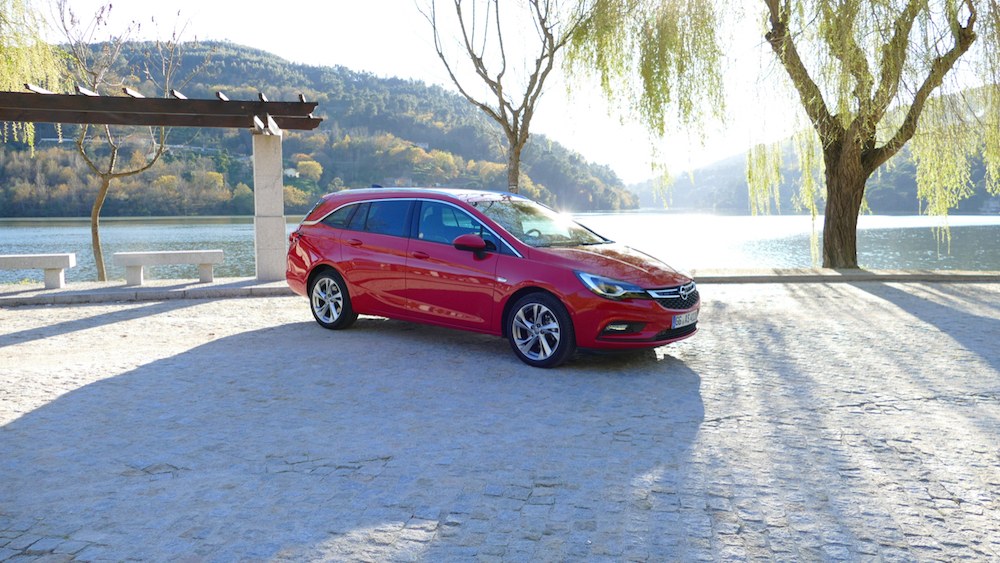 Opel Astra SportstourerP1170517