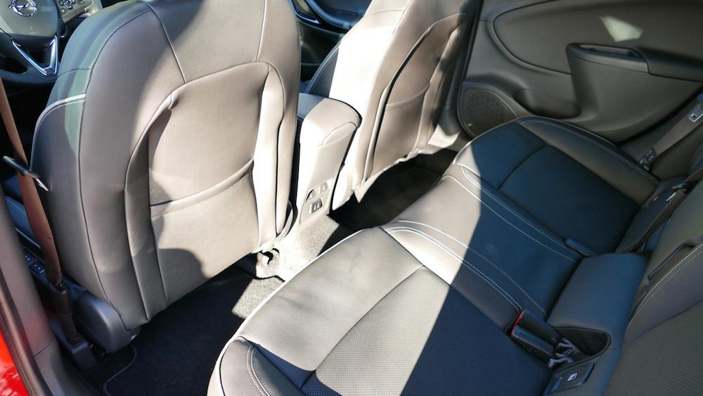 Opel Astra SportstourerP1170525