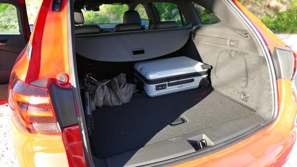 Opel Astra SportstourerP1170527