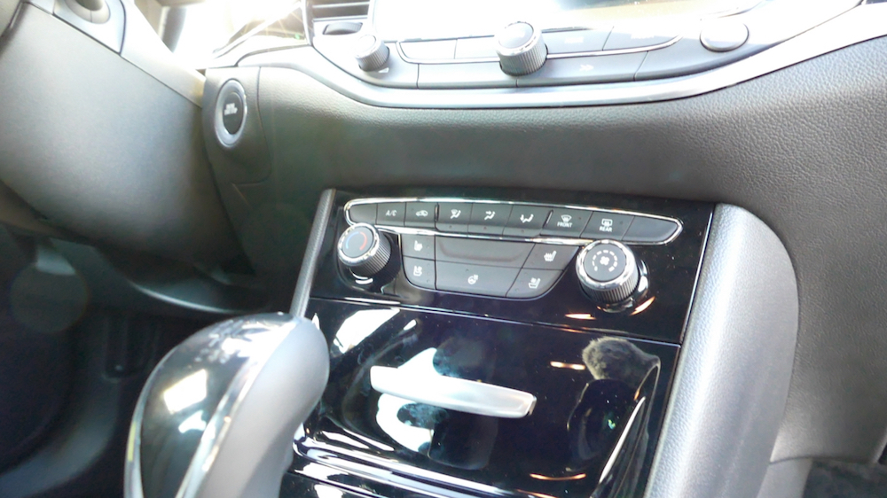 Opel Astra SportstourerP1170534