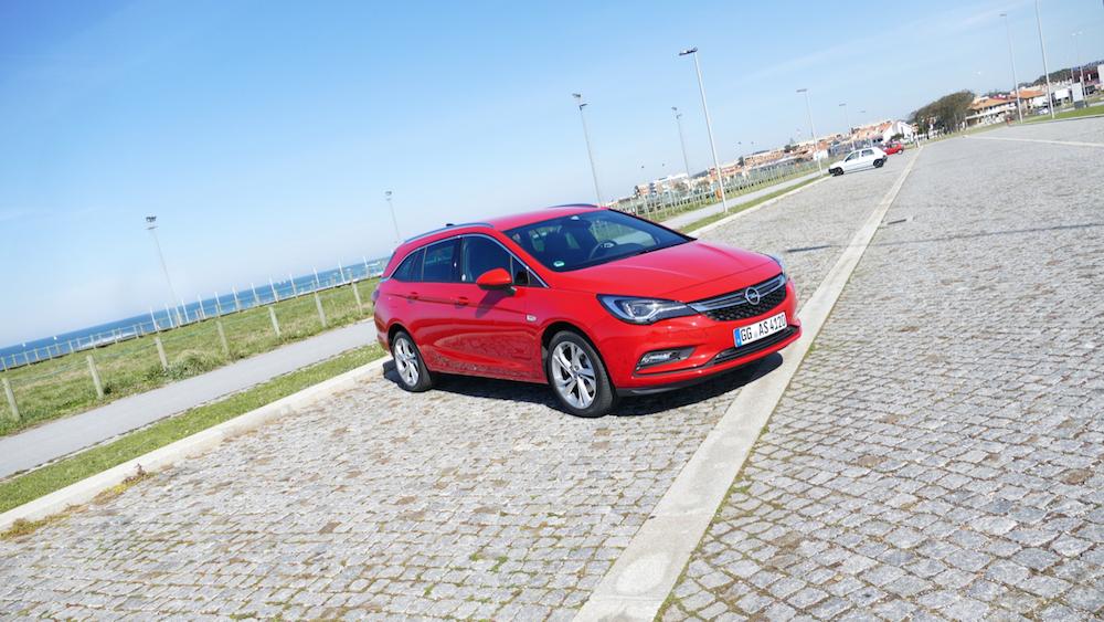 Opel Astra SportstourerP1170605